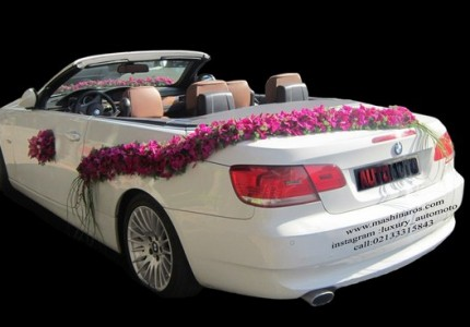 ماشین عروس 2017 با گل صورتی