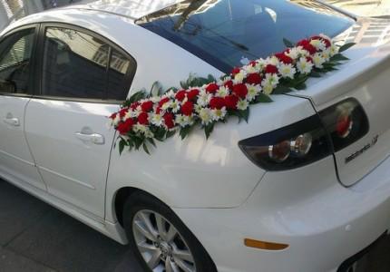 تزیین ماشین عروس با گل رز ارزان