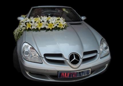 تزیین ماشین عروس با گل لیلیوم بنز