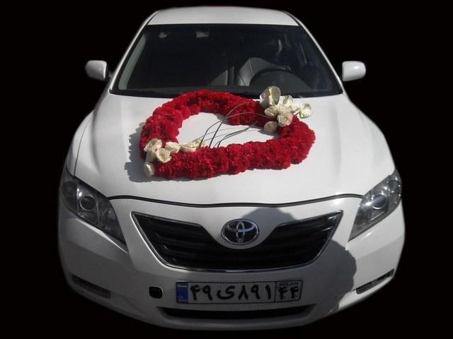 قیمت اجاره ماشین با گل رز قرمز