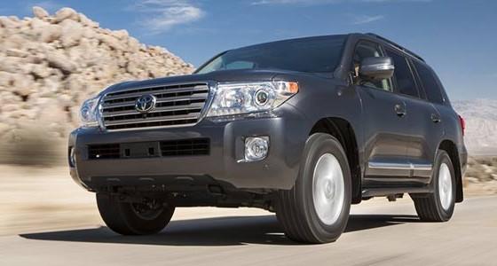 a Toyota Land Cruiser اجاره لندکروز در تهران کرایه